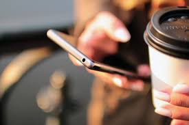 smartphone-and-coffee